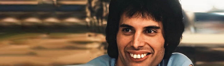 Freddie mercury teeth